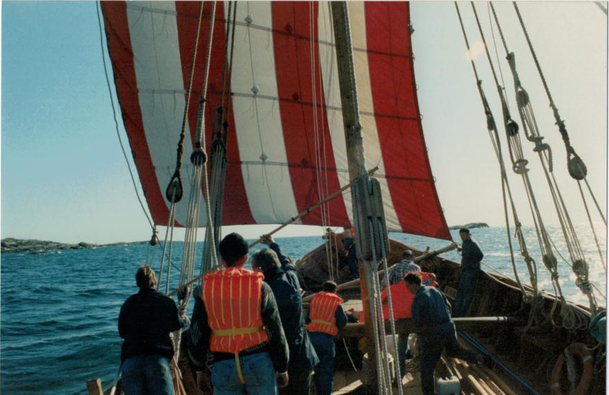 Vidfamnes segel hissas för första gången, 1994